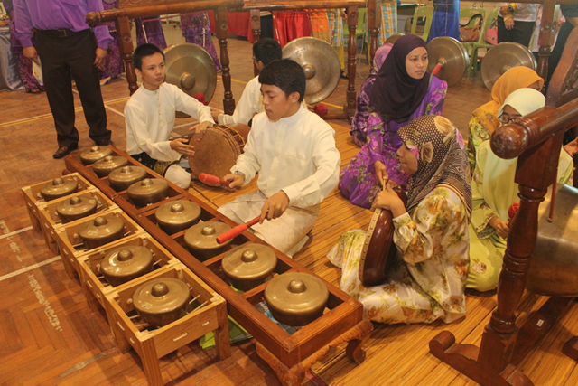 Brunei's culture mainly derived from the Old Malay World, a territory which covered the Malay Archipelago.