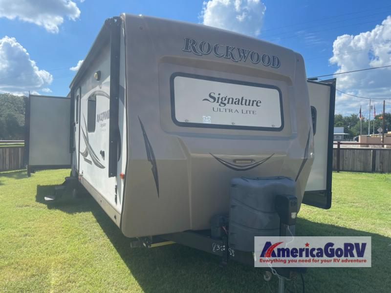 Used 2017 Forest River RV Rockwood Signature Ultra Lite 8329SS