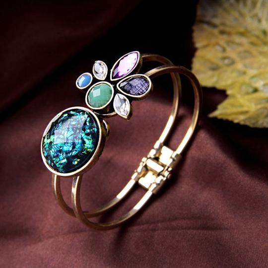 Buying highquality artificial jewellery is easier than ever