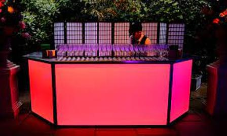 Host Parties without Worrying with the Latest Mobile Bar Hire Services