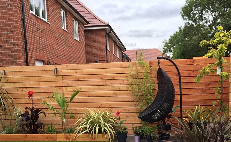 Build The Feather Edge Fence posts to Get The Best Out your Home