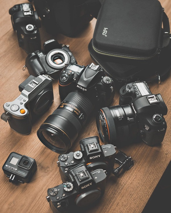 DSLR CAMERA so as to be to be had at deal expense just for speedy term of t...