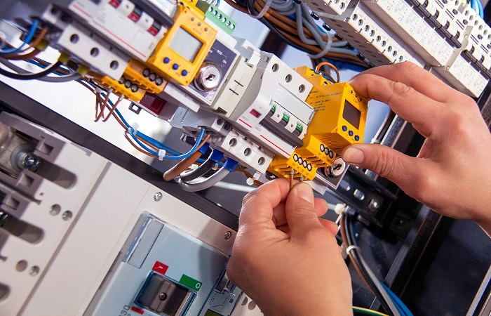 Emergency Electrical Services in California, USA