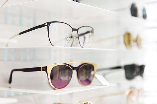Are You In Search Of Authorised Glass Dealer In Uk? Then Visit The Glasses ...