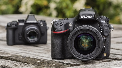 canon mirrorless camera usually have an integrated flash, but dslr models r...