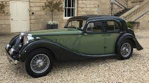 Hire Modern Vintage Wedding Cars In Oxfordshire From Premier Carriage