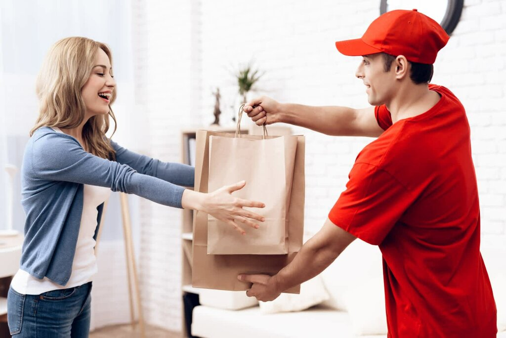 Courier from Delhi to Canada