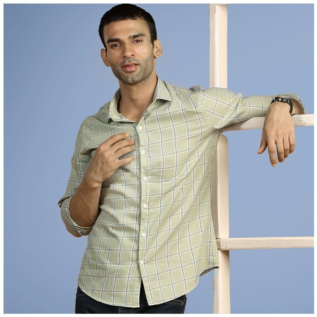 Get Stylish Formal Shirts for Men at Beyoung Online