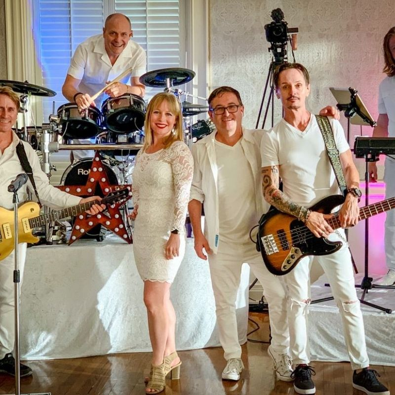 Hire Fabulous Wedding Bands Dallas on Your Reception!