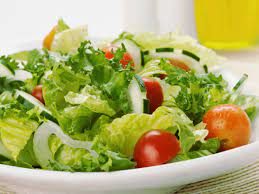 How to make a perfect salad and keep yourself in the best of your health
