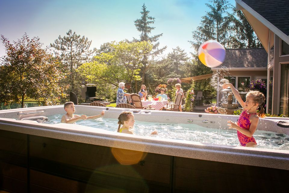 Many Ranges of Plug and Play Hot Tubs